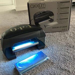 OPI AXXIUM UV light for gel nail application